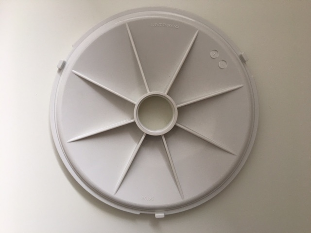 Wateco skimmer plate against a white background.